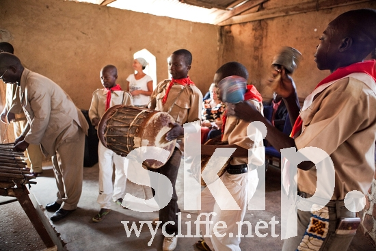 Boy;CAR;Central African;Gbaya-Bossangoa;Male;Music;Xylophone;drum;gbp;instruments;man;marimba;men;tambourine