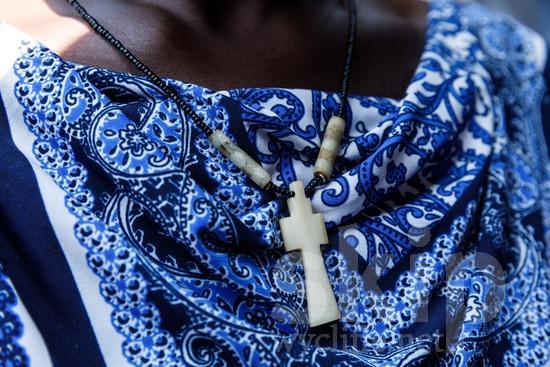 Africa;African;Afrika;Believer;COUNTRY;Christian;Christianity;Cross;L\'Afrique;Ouganda;PEOPLE;RELIGION;Uganda;Woman;africain;africaine;africana;africano;chrétien;chrétienne;crentes;creyentes;cristianas;cristianos;cristãos;cristãs;croyant;croyante;femme;mujer;mulher;religião;religión;{kbo};África;Африка;Уганда;アフリカ人;クリスチャン;乌干达;信徒;信者;基督徒;女人;女性;宗教;非洲;非洲人;아프리카;우간다
