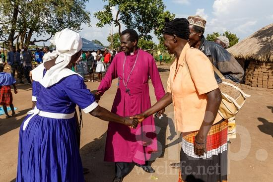 Africa;African;Afrika;Believer;COUNTRY;Christian;Christianity;Church;Cross;L\'Afrique;Man;Ouganda;PEOPLE;PLACE;Pastor;Preacher;RELIGION;Smile;Uganda;Woman;africain;africaine;africana;africano;chrétien;chrétienne;crentes;creyentes;cristianas;cristianos;cristãos;cristãs;croyant;croyante;femme;hombre;homem;homme;mujer;mulher;predicador;predicadora;pregador;pregadora;prédicateur;religião;religión;sonreír;sorriso;sourire;{kbo};África;Африка;Уганда;アフリカ人;クリスチャン;乌干达;信徒;信者;傳道者;基督徒;女人;女性;宗教;微笑;男人;男性;笑顔;説教者;非洲;非洲人;아프리카;우간다