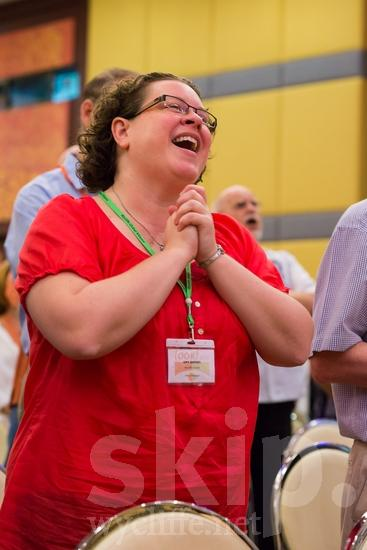 American;ICON;Look!2012;North American;SIL International Conference;Wycliffe Global Gathering;glasses;sing;woman