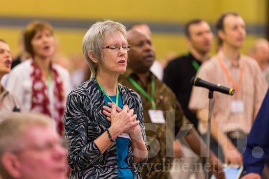 American;ICON;Look!2012;SIL International Conference;Wycliffe Global Gathering;glasses;pray;woman