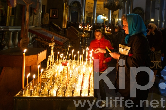 Russia;Russian Orthodox Church;Saint Petersburg;candles;church;mass