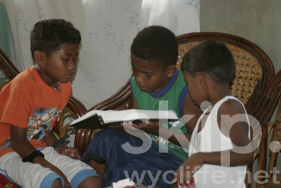 Children and youth;reading;Bible;Scripture