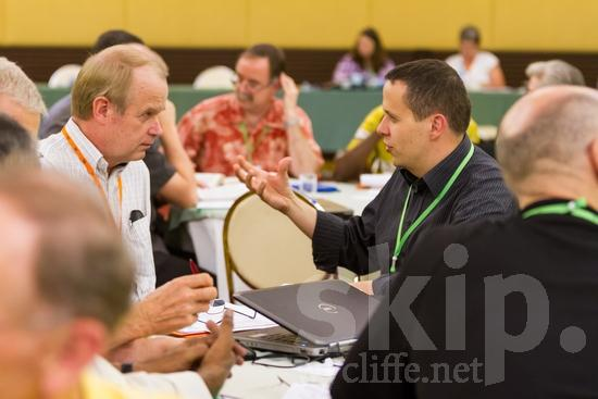 American;European;Finnish;ICON;Look!2012;Man;North American;SIL International Conference;Wycliffe Global Gathering;hombre;homem;homme;talking;男人;男性