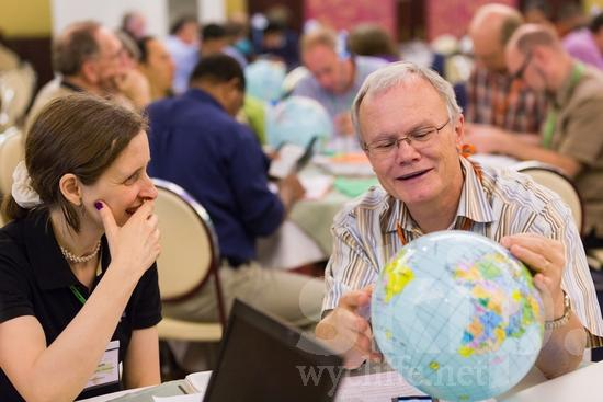 American;British;European;ICON;Look!2012;Man;North American;SIL International Conference;Wycliffe Global Gathering;glasses;hombre;homem;homme;smile;woman;男人;男性