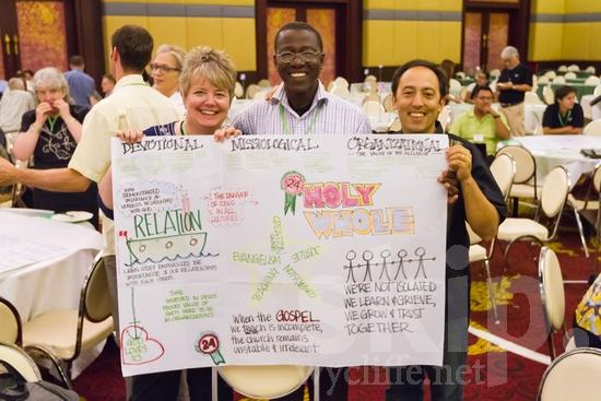 African;American;Ghanian;Guatemalan;ICON;Look!2012;Man;North American;SIL International Conference;Wycliffe Global Gathering;africain;africaine;africana;africano;glasses;hombre;homem;homme;smile;woman;アフリカ人;男人;男性;非洲人