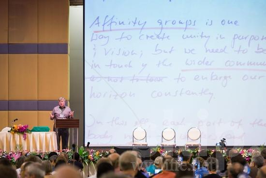 British;European;ICON;Look!2012;Man;SIL International Conference;Wycliffe Global Gathering;crowd;hombre;homem;homme;talking;男人;男性