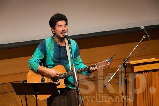 Asia;Japan;guitar;microphone;performance;sing;song