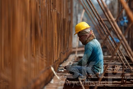 Asia;Asian;Asien;COUNTRY;Construction;Hat;Inde;India;Indian;Indien;Indienne;L\'Asie;Man;PEOPLE;[hin];asiatique;asiática;asiático;chapeau;chapéu;construcción;construction;construção;hombre;homem;homme;indiana;indiano;indio;o;sombrero;Ásia;Índia;Азия;Индия;アジア人;インド人;亚洲;亞洲人;印度;印度人;工事;帽子;建築;男人;男性;아시아;인도