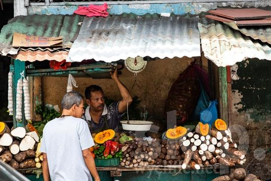 Central America;Panama City;fruits;man;men;street photography;vegetables